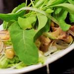 よしもと食堂 - 豚肉ローストとひよこ豆のサラダ