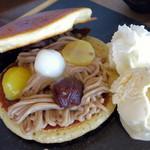 シュハリ六甘 - モンブランどら焼きパンケーキ(\1,050、2014年10月)