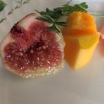 カカキ - イチヂクとマンゴーのデザート