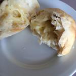 カカキ - チーズたっぷりパン
