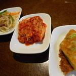 韓国料理ジャンチ村 - おかず3品