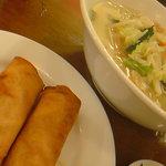 和平飯店 - 野菜湯麺&春巻