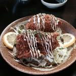 赤坂とん平 - 料理写真:でっかいカキフライ1個250円。中身牡蠣がぎっしり!