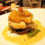 32198617 - ミニコースランチ3,020円  淡路島産鶏もも肉のロティゴルゴンゾーラソース 季節野菜のガルニチュール