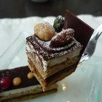 レストランアマデウス - ☆この上品な層が美味しゅうございます☆
