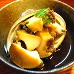 味処 とっくり - アワビの煮付け!これで450円は驚き(b'3`*)