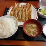 32201282 - ジャンボ定食 751円