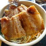32201807 - 岩魚丼
