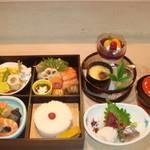 葉ら - 御法事・御祝・仕出し等のお懐石弁当¥4000