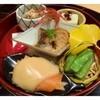 りゅう庵 - 料理写真:八寸:栗の豆腐・きのこと青菜のおひたし・スモークサーモン・子持ち鮎の煮物・枝豆 見た目も美しいお料理です。