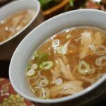 32205756 - フォー(米粉の太麺)の鶏肉(ハーフサイズ)