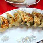 中華料理ぶたかつ - 料理写真:焼ギョーザ