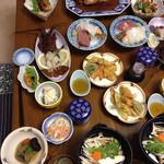 温泉民宿 部屋荘 - 料理写真:伊勢エビパックの夕食