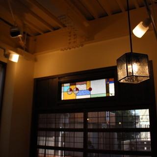 蕎麦処には珍しいレトロな喫茶店のような店内
