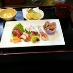 魚もん屋 - 1日限定10食の上お造り定食(お造り、天ぷら、小鉢、ごはん、汁、漬け物、コーヒー) 1200円