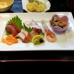 魚もん屋 - 上お造り定食のお造り、天ぷら
