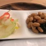 天まめ - セットのピクルスと煮豆