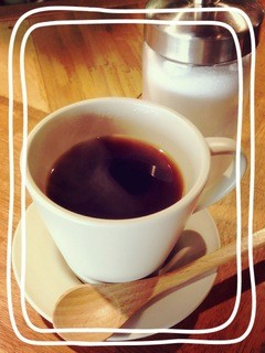 えびす家 - 営業時間内は焼鳥屋ですがCaféも・・・この周りに夜にお茶するところが無くて・・・な方!夜Caféにどうぞ?