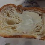 ダロワイヨ - ジャージー牛乳クリームパン
