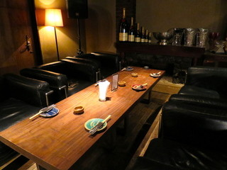 大垣城サルーン 竈dining - ラグジュアリーな空間のソファー席