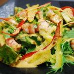 ゆうき家 - エビアボカドサラダ・味、ボリューム共に人気NO.1