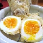 梅田はがくれ - 半熟卵とちくわの天ぷら