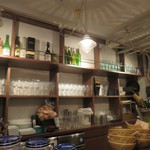 六本木 肉とワイン Uchibito - 店内 カウンター