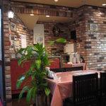 順峰 - 洋食店のような内装