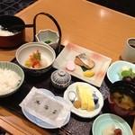 東海亭 - 【朝食】和定食