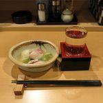 なり - 料理写真:お通しと日本酒