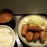 遊食楽酒 舫 - カキフライ定食。840円。