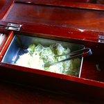 滝そば - 料理写真:箸箱の中はネギ