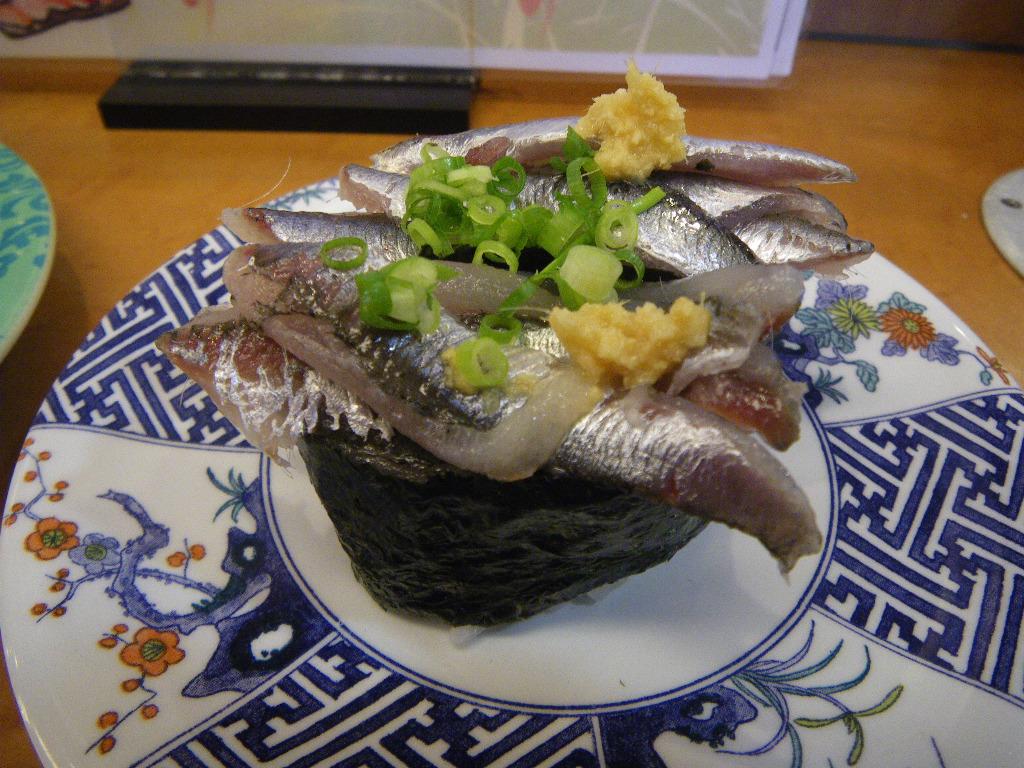 回転寿司 魚敬 津久井浜店