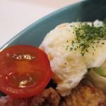 コブデリ食堂 - ポテトサラダ、ミニトマト