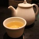 南翔饅頭店 - お茶。