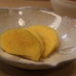 貴久政 - デザートはぱりぱりの柿。