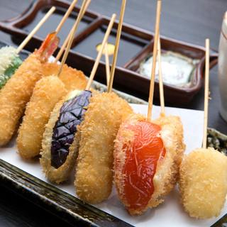 夜は串カツ、おでん、逸品料理も充実!!