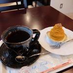 コーヒーライブ - ホットコーヒーとかぼちゃのモンブラン