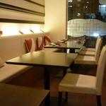 32297419 - ☆テーブルはこんな雰囲気です☆