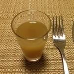 山荘無量塔 - 生姜と葡萄のジュース