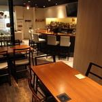 バー ランコントレ - 昼宴会や各種飲み会などにぜひ♪テーブル席は繋げる事も可能です♪