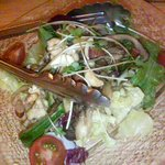 323740 - きのこと木の実の温製サラダ