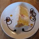 デイリーズカフェ - モリスケさんのシフォンケーキがこちらでいただけます。