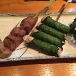 Higashiyamatorihachi - レバーとシソ巻。レバーの半ナマな焼き具合が良かった!