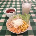 オムライスの店 Tanpopo - サラダ、ドリンク(2014/11/06撮影)