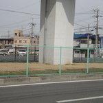 どとう ぜにや  - 土塔町北交差点 ※泉北高速鉄道沿い 最初の目印 ここを曲がります ※2010年2月