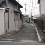 どとう ぜにや  - 最後の路地 ※ここを曲がって、左から2軒目が目的地 ※2010年2月