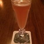 Tan's bar - ニューヨーク:アメリカンウイスキー・ザクロのシロップ・ライム