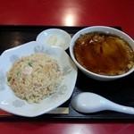 中華料理 栄華 - チャーハン&天津麺