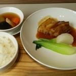 わかば食堂 - 14.11.05【桃園 中北登シェフ】紅棗燉鶏湯・磨豉扣豚肉